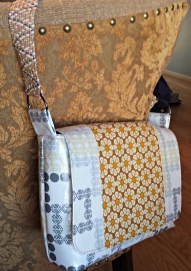 greybag_chair_crop